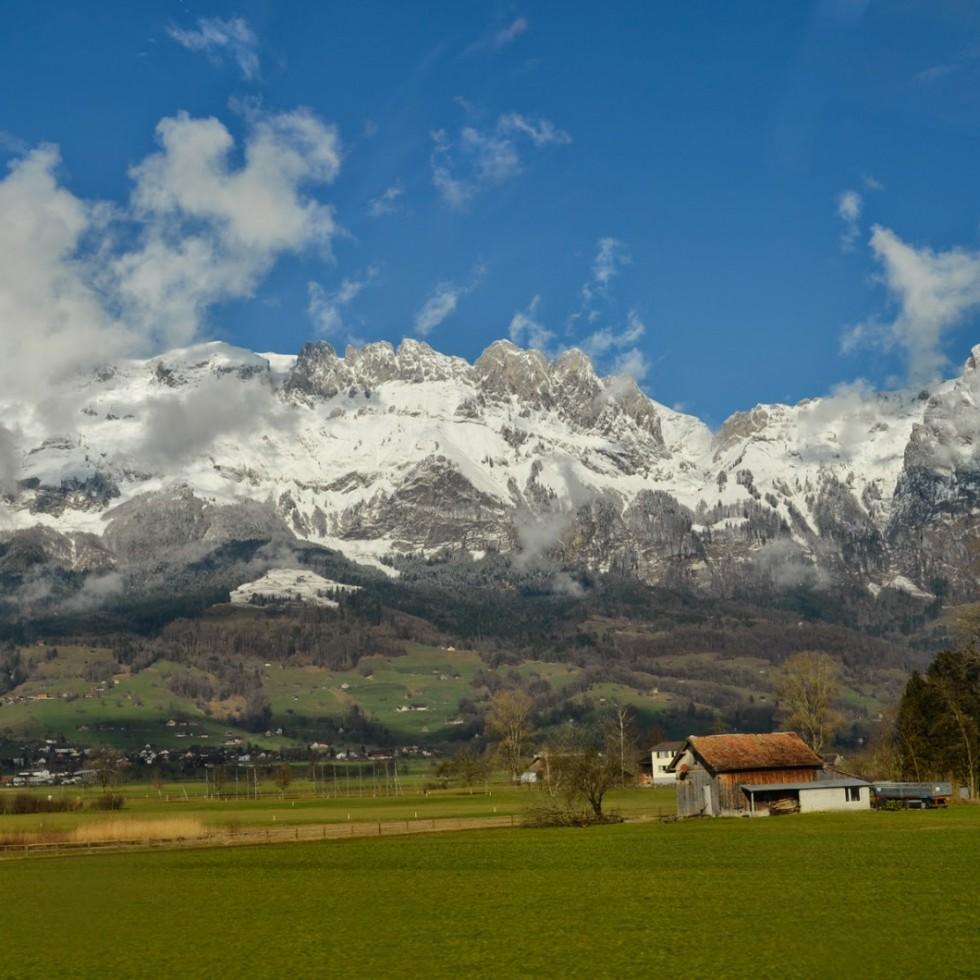 Ania w podrozy_Szynami po Szwajcarii - 2014-03-15 (3)